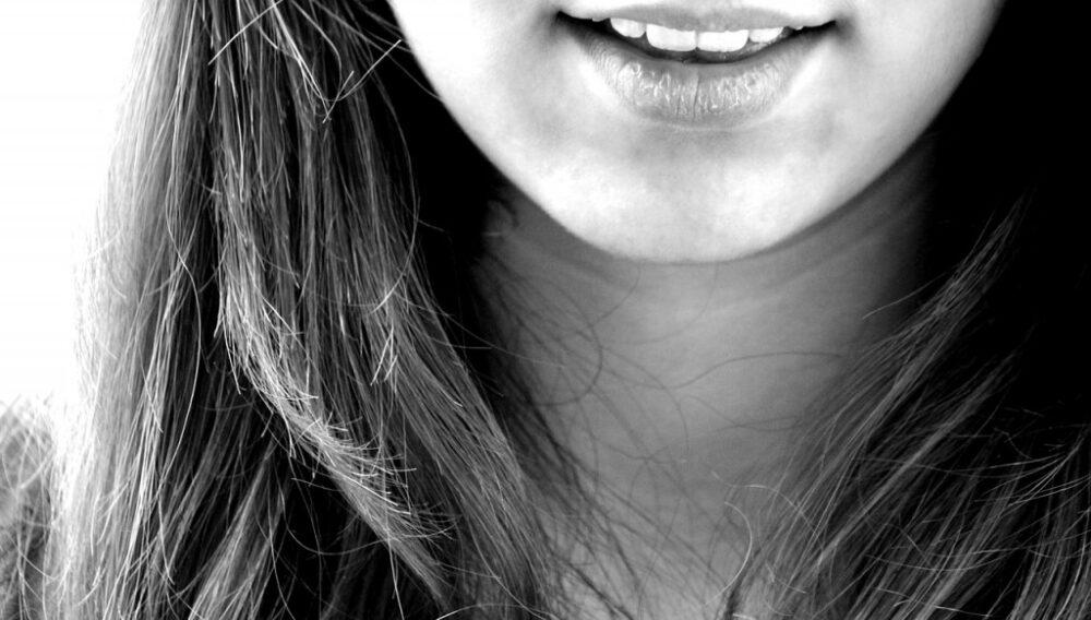 歯ぐきが腫れたり、歯ぐきが浮くような感じになる原因とは?