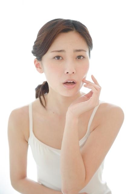 髪のパサつきや白髪は女性ホルモン低下が招いている!
